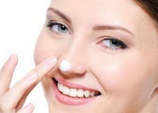 cara menghilangkan komedo hitam dan putih di hidung dan wajah