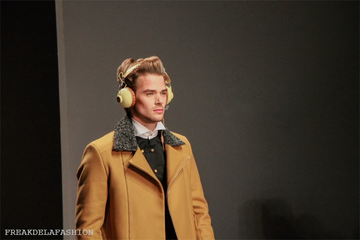 JONATHAN CHRISTOPHER HOMME | MERCEDES-BENZ FASHIONWEEK AMSTERDAM 2014 | FREAKDELAFASHION