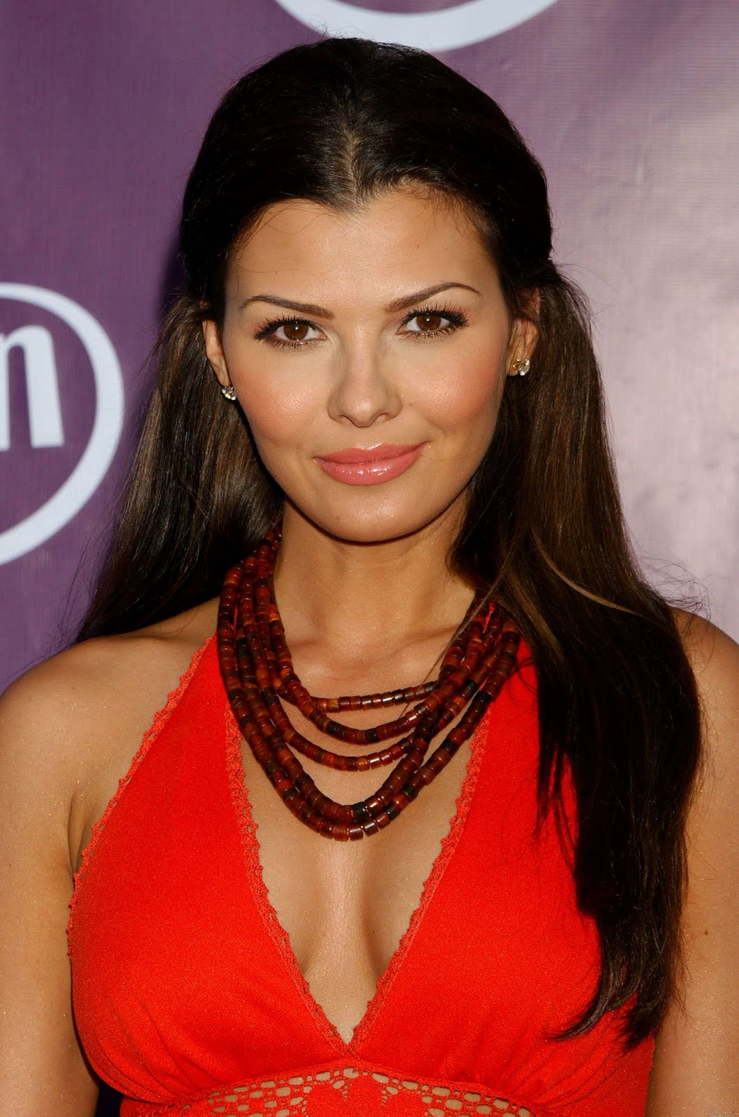 http://4.bp.blogspot.com/--B6d-J-m84I/TmEZAs_FxYI/AAAAAAAACg8/CL2cOIwT8wE/s1600/Ali-Landry-photo.jpg