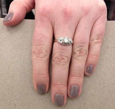 Essie, Essie nail polish, Essie mani, Essie manicure, Essie Chinchilly, nail, nails, nail polish, polish, lacquer, nail lacquer, mani, manicure, mani of the week, manicure of the week