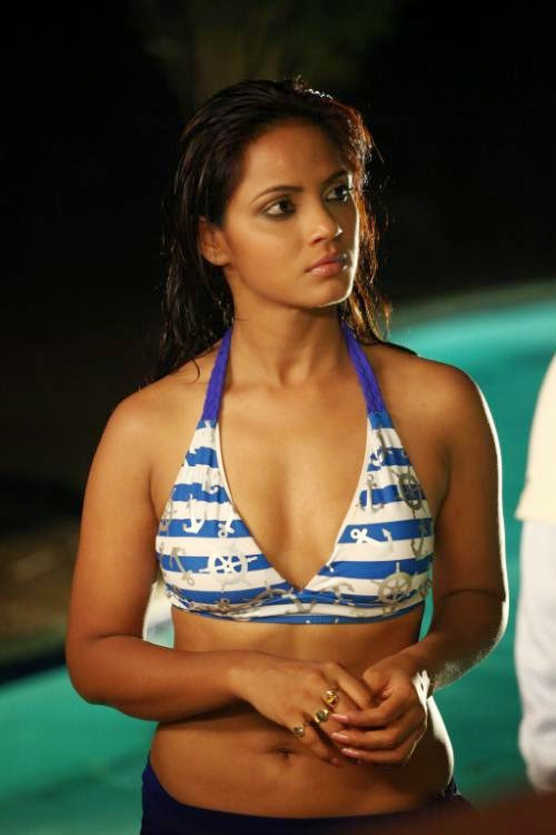 Neetu Chandra wet hot pics in swimming costume