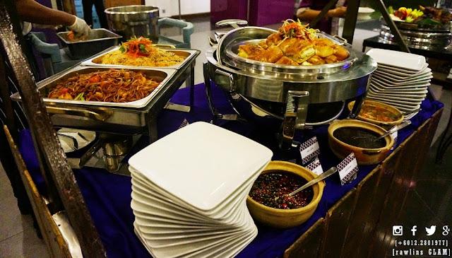 Ayam golek, bufet, bufet ramadhan, buka puasa, byrawlins, byrawlinsdotcom, Hotel Puri Pujangga, food review, iftar,  kampung, makan, puasa