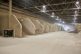 HUDSONCHINAS Raw materials storage area, clay, kaolin, quartz, magnesite and sand
