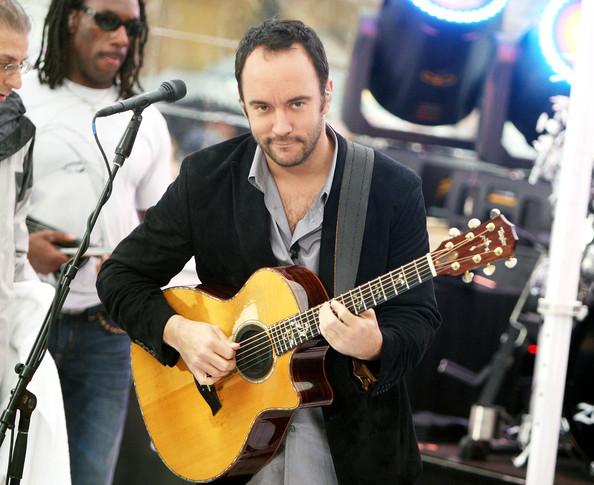 dave-matthews-acoustic-guitar