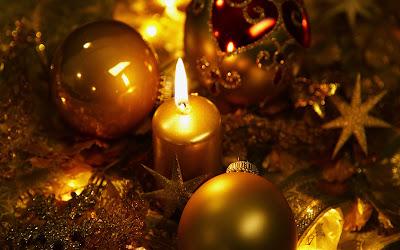 Papel de parede luzes de natal para pc Golden candle and christmas ball desktop wallpaper