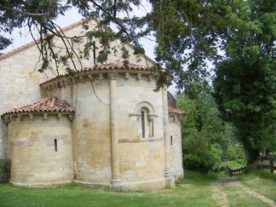 Cangas de Onís, iglesia de San Pedro de Villanueva, ábside
