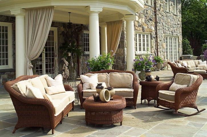 Traditional wicker patio furniture furniture design for Traditional garden furniture