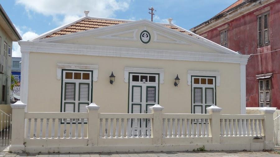 Poppy Kamers Curaçao
