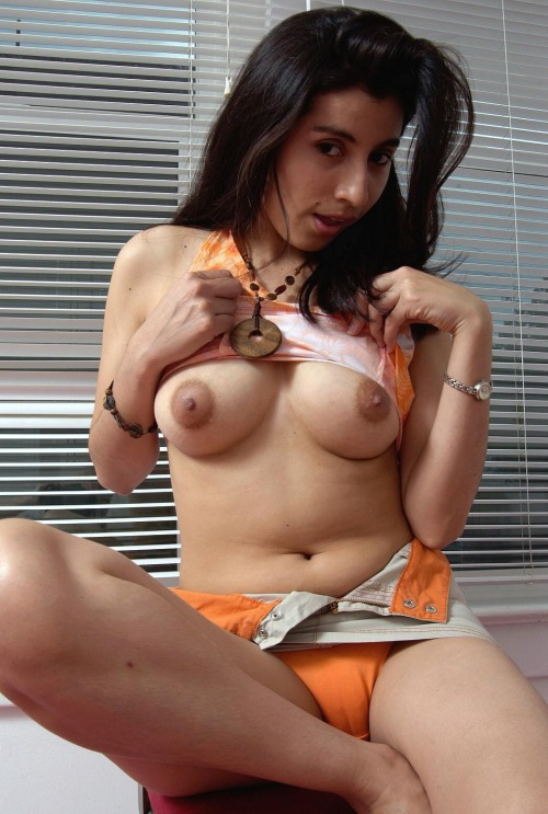Nude Indian Girl Showing Her Hairy Pussy And Nude Boobs indianudesi.com