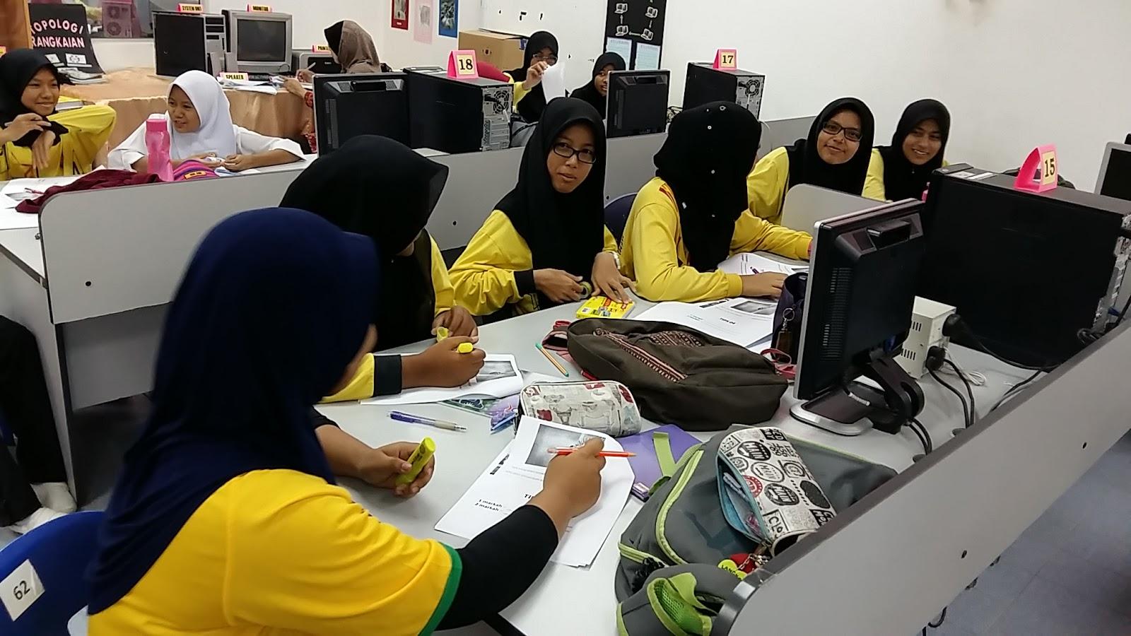 Ceramah Sains PT3 di SMK Mergong