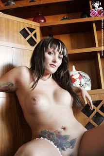 Naked brunnette - Camilla_%2528SG%2529_Softness_11.jpg