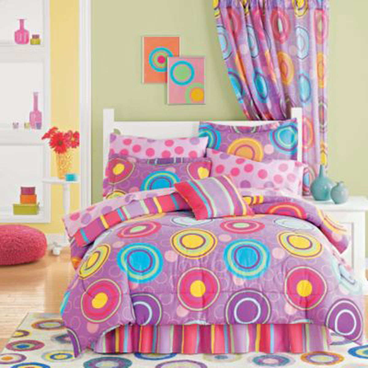 Kids bedroom decor one of 4 total images cheerful kids room decoration - Cheerful Kids Room Decorating Ideas