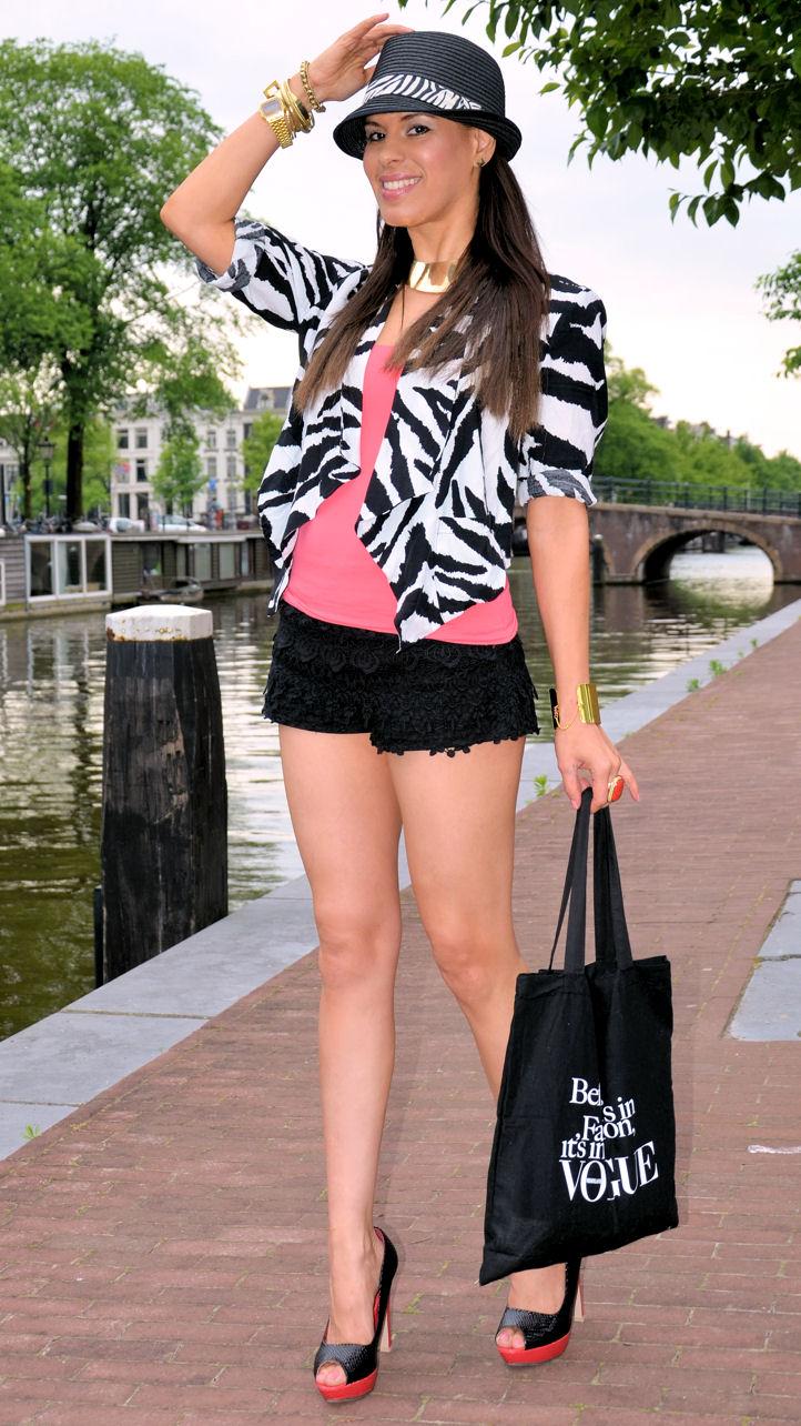 Shorts And Pink Top:zara,zebra
