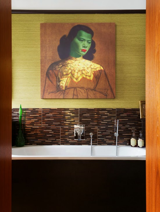 Safari Fusion blog | Tretchikoff [part 2] | Eclectic kitch style terraced Edwardian featuring Tretchikoff's The Chinese Girl in the bathroom