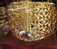 World's biggest gold ring, World's biggest gold ring photo, Dubai World's largest gold ring picture, 2011 biggest gold ring in the world, World's biggest gold ring Guinness world record, largest gold ring in Deira Gold Souq