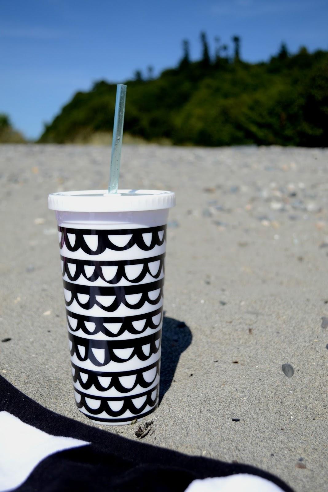 beach, sandy, Ban.do, travel cup, black, white, summer