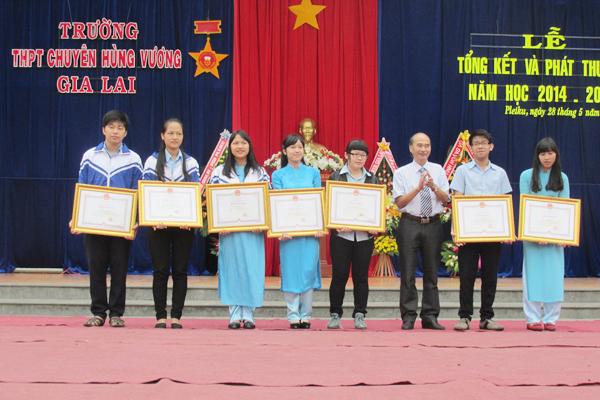 Gia Lai: Trường THPT Chuyên Hùng Vương - 95,6% học sinh đạt học lực khá, giỏi