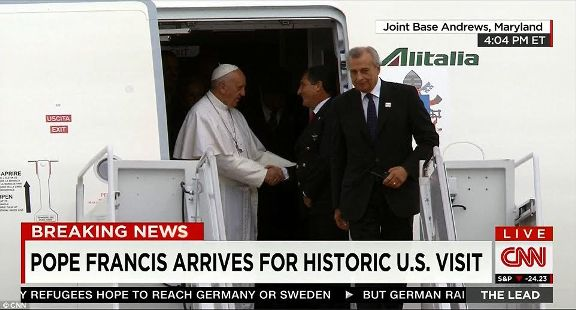 Pope Francis arrives in America and met by the Obama's at Airport!