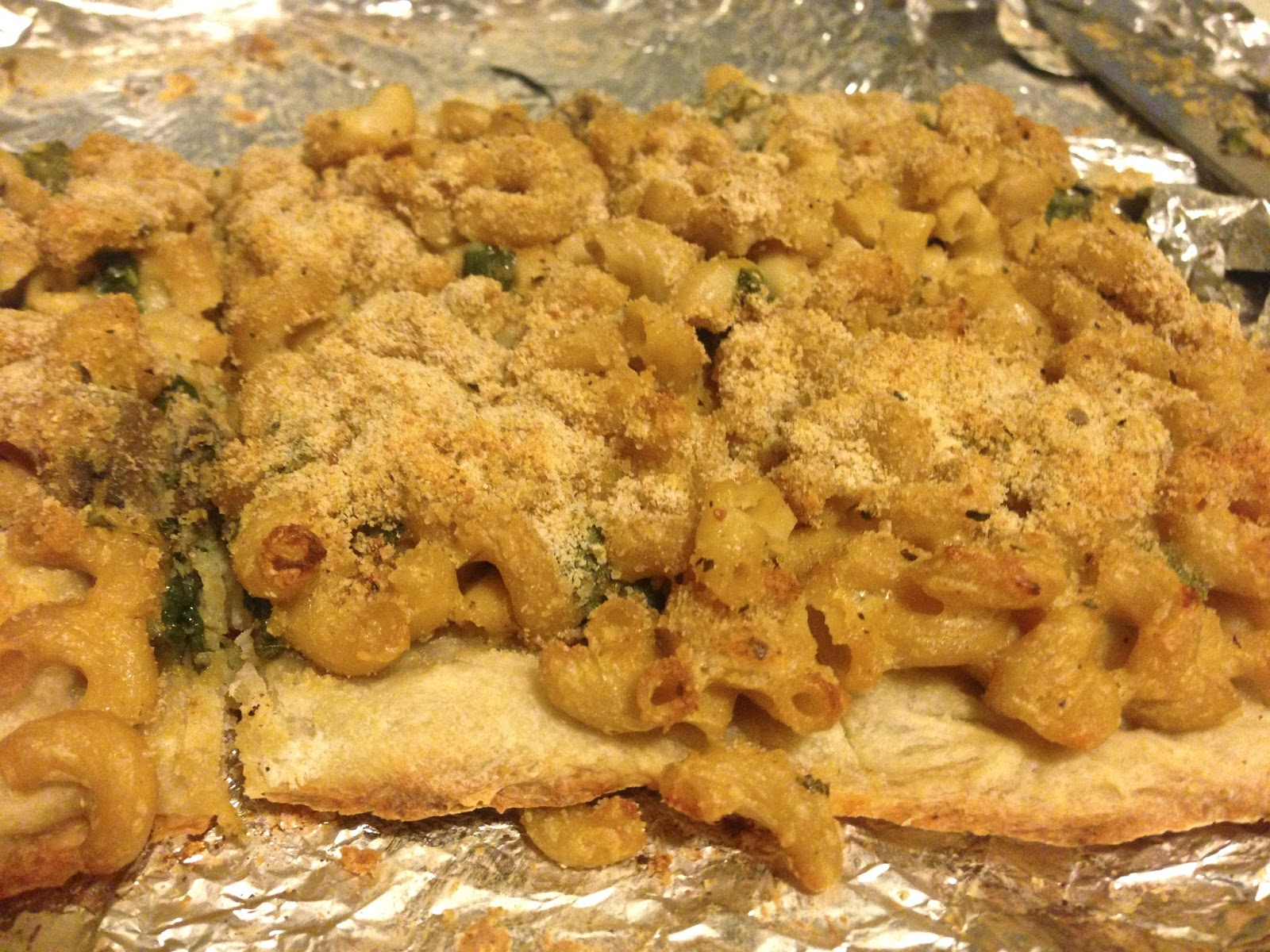 Mac and cheese pizza parks and rec