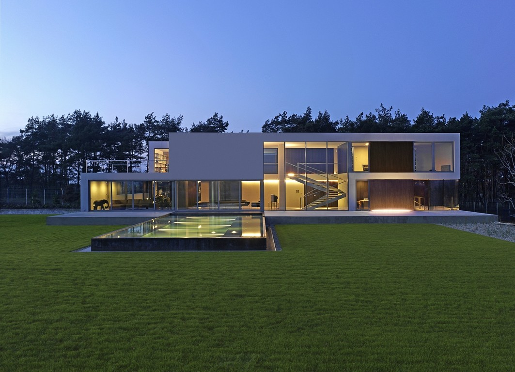 Minimal modern house in poland modern design by for Architecture design a house