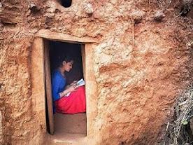 Το Νεπάλ γνώρισε την Ορθοδοξία μέσω ίντερνετ: οι Γυναίκες εξορίζονται επειδή έχουν περίοδο!