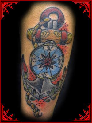 Ancora e busula de Tatuagens