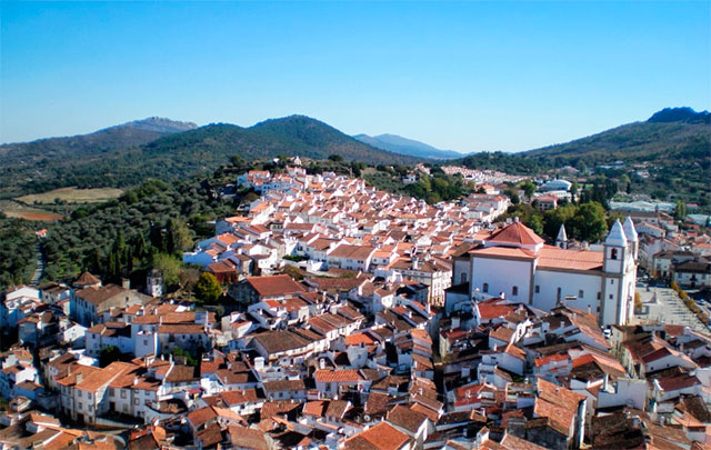 imagen panoramica decastelo de vide en portugal