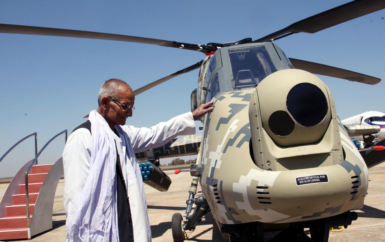 المروحية الهجومية الخفيفة الهندية Light Combat Helicopter! AERO+INDIA+2011-+DAY+3+-+LOT+V+%288%29-797859