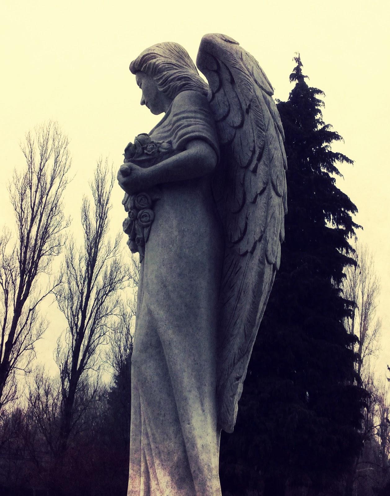 Angel grave