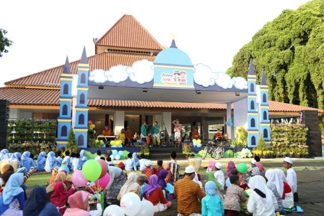Festival Anak Yatim Banyuwangi 2014.
