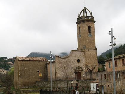 L'església de Sant Feliu de Monistrol de Calders des del Pont del Rector
