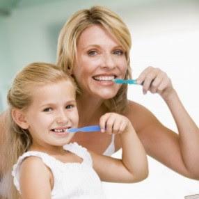 Mengajarkan Anak Cara Menggosok Gigi yang Benar