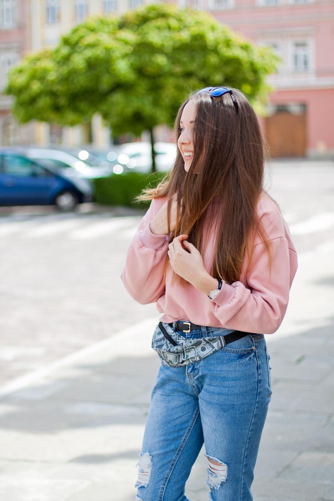 pastelowa różowa bluza