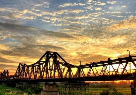 Hanoi Red River bridge - hanoiweather.info