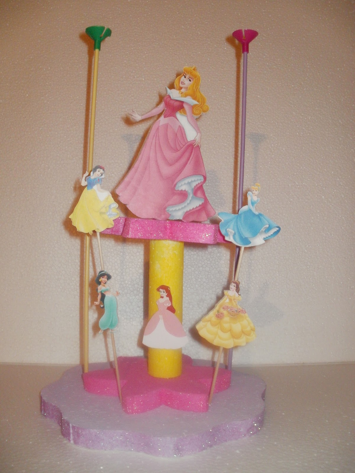 O c cotill n artesanal princesas disney - Mesas infantiles disney ...