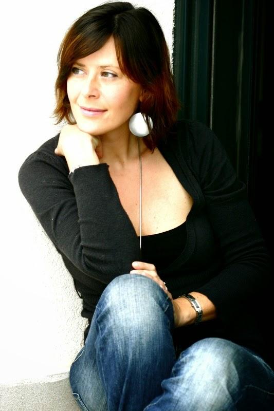 LAURA RODENAS CONSULTORA BRANDING