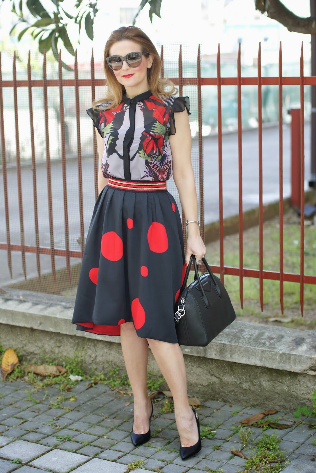 Smash! Saura blouse, Zaful polka dot skirt, large polka dot print, mix of prints on Fashion and Cookies fashion blog, fashion blogger style