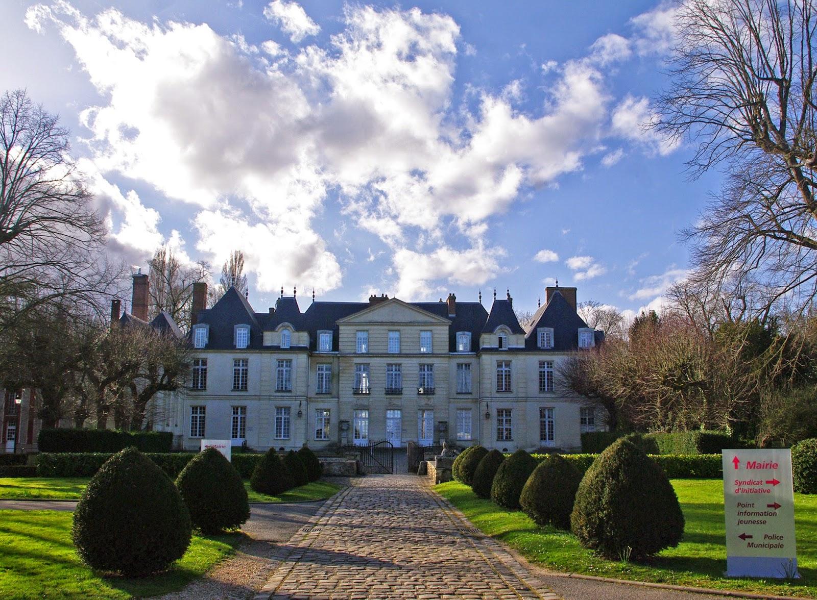 charmes m connus du hurepoix tr sors des yvelines le chateau du mesnil saint denis l. Black Bedroom Furniture Sets. Home Design Ideas