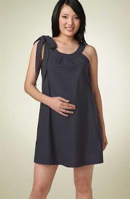foto de modelo de vestido curto para gestante