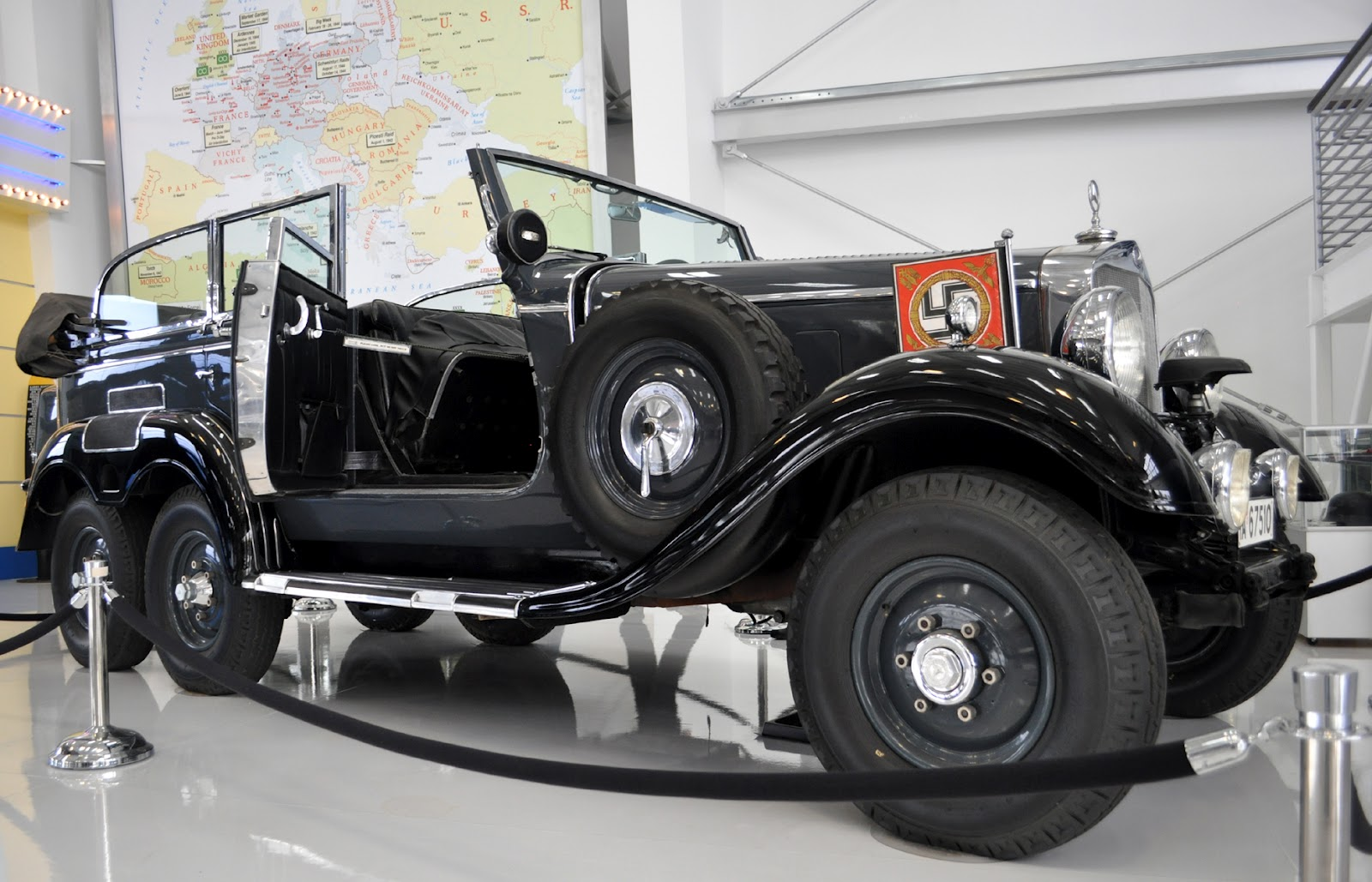 Classic Cars Authority: Hitlers parade car, a 1939 Benz G4 Offner ...