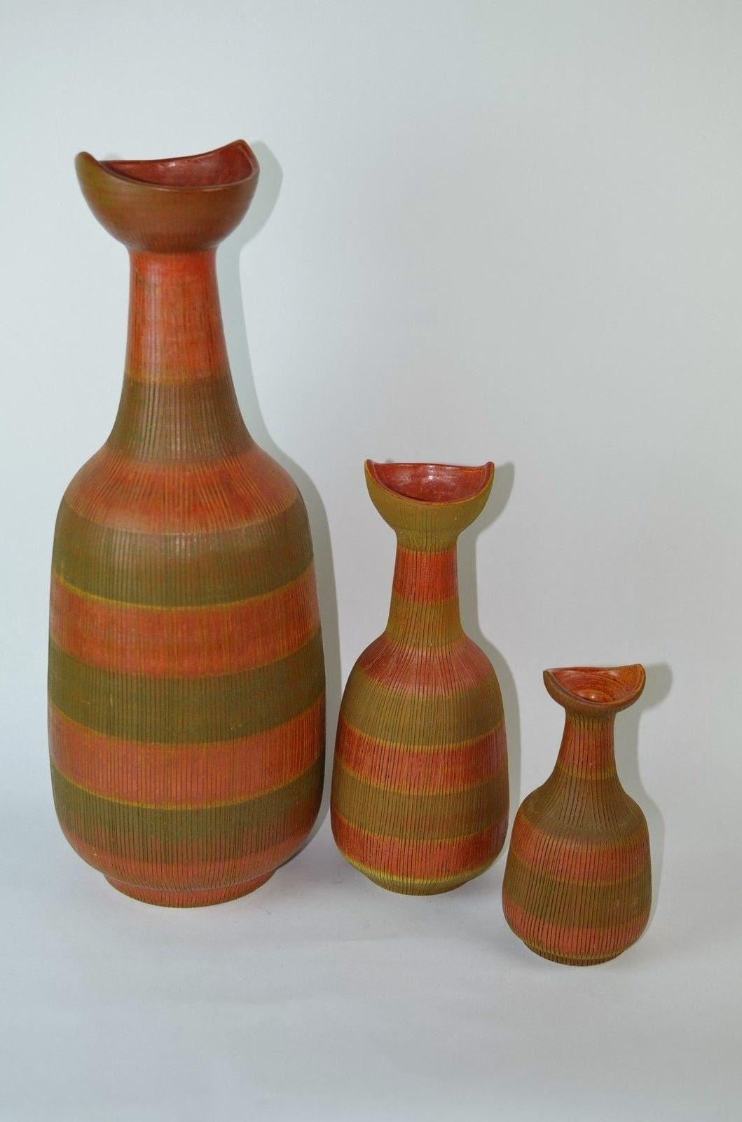 The end of history august 2014 a perfect set of 3 vases designed by aldo londi for bitossi circa 1950s the tallest one is just under 20 inches tall sold as a set of three reviewsmspy
