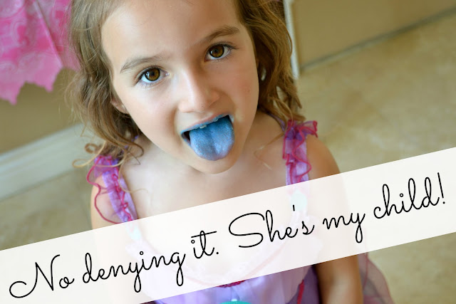 Mommy Testers #DreamParty blue frosting tongue