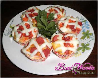 Resepi Muffin Telur Sedap Senang Simple. Resepi Mudah Muffin Telur Ditambah Roti, Sosej Dan Carrot. Cara Buat Muffin Telur Sosej.