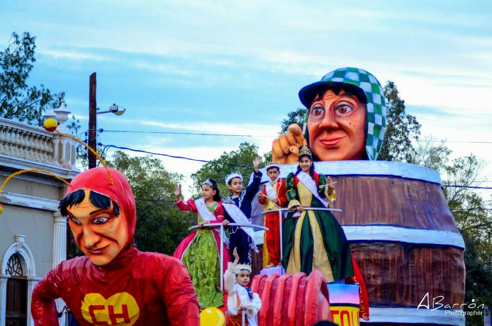 "Carro ""Homenaje a Chespirito"" Ganador del Primer Lugar"