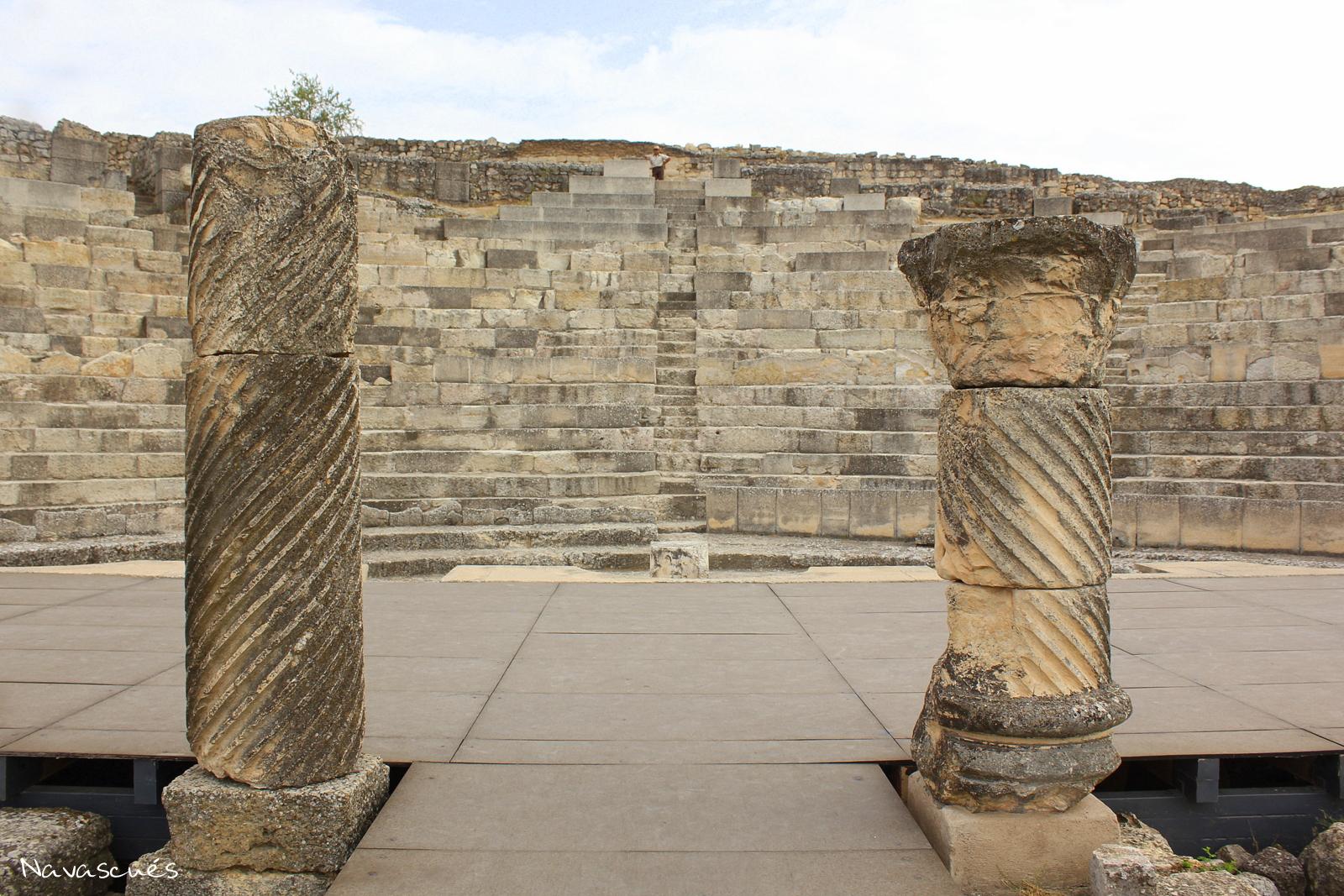 Escenario y gradas del teatro romano