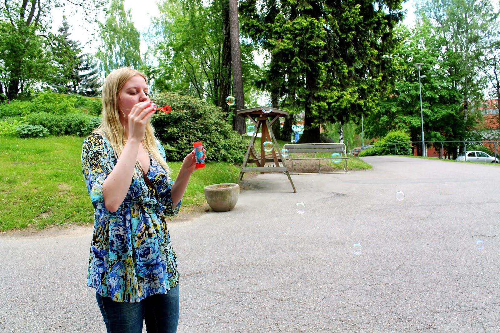 Me and bubbles | Alinan kotona blog