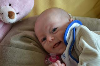 Angèle et Mr Frinfrin sur la canapé - les lettres à ma fille