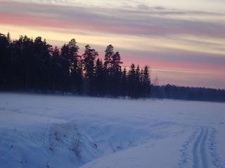 Hiihtolenkki+auringonlaskun+aikaan+007.j