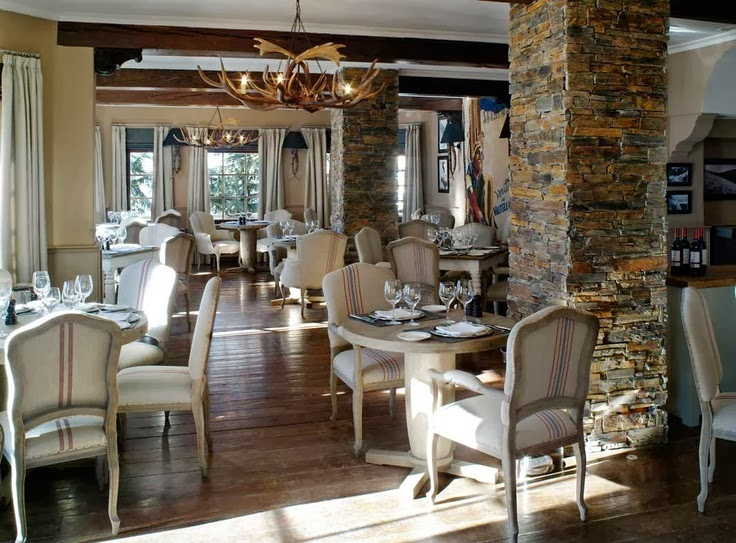 Restaurante Mac Grill, Hotel El Lodge.