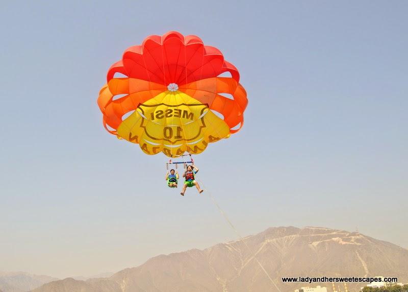 parasailing in Khorfakkan
